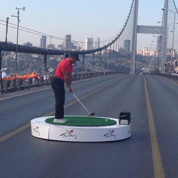 Tiger Woods on the Bosphorous Bridge (Courtesy: Chubby Chandler)