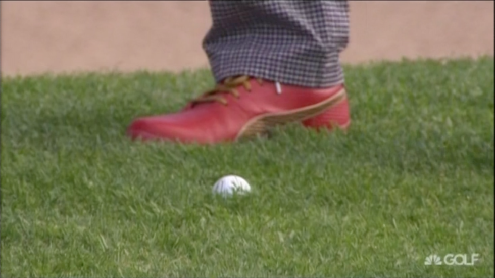 Jonas Blixt's red shoes.